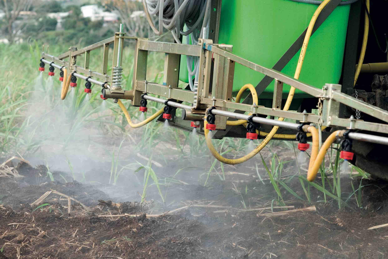 Réduction d'herbicides : Aide à l'achat de matériels performants